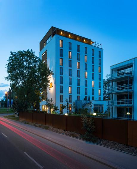 Hotel K99 Außenansicht Abend   Herbst-Hopping 2020
