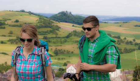Wandern mit Blick zum Mägdeberg