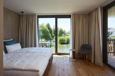 Apartment Über dem Wasser    HerbstHopping Sternen Bohlingen Aparthotel